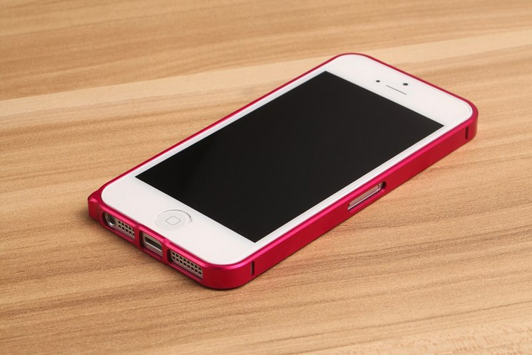 Ал�миниев�й бампе� love mei ultrathin для apple iphone 5
