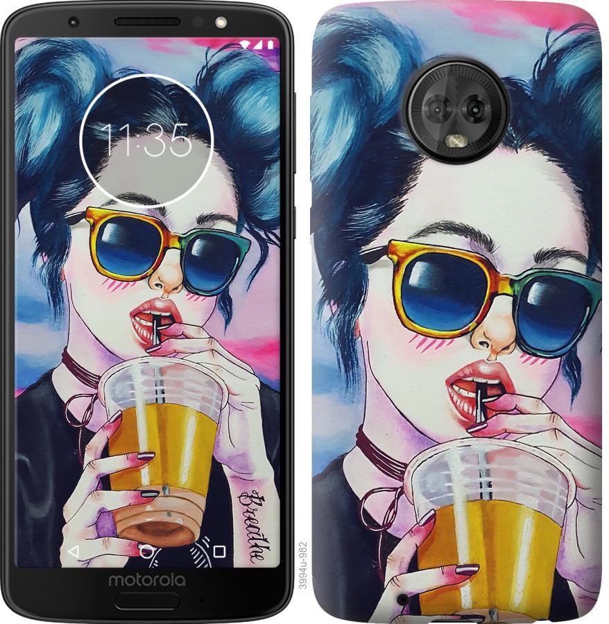 Чехол на Motorola Moto G6 Арт-девушка в очках