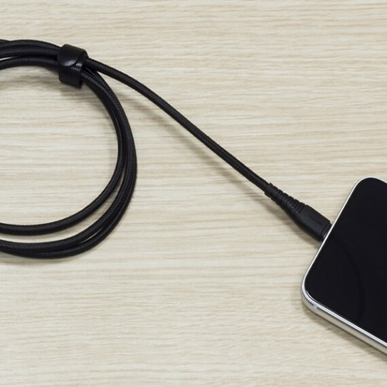 Фото Кабель ROCK Hi-Tensile USB to Lightning (2.1A Charge & Sync round Cable) 120cm Черный / Black на itsell.ua