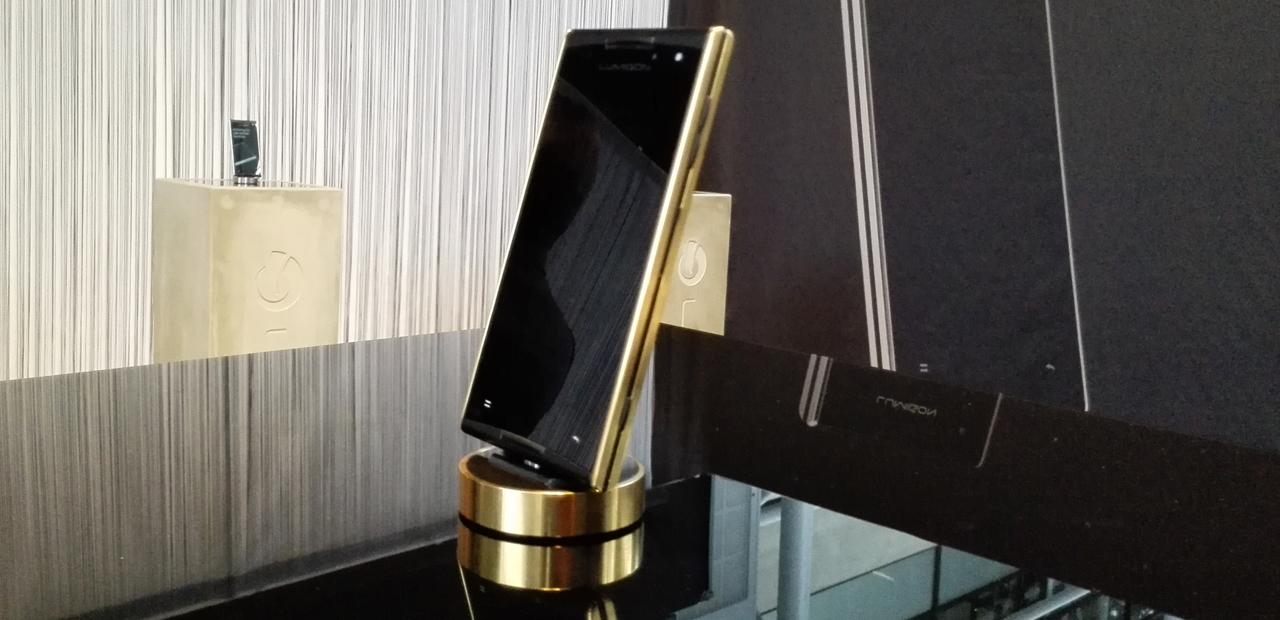 смартфон из 24 каратного золота